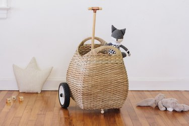 DIY wheeling toy basket