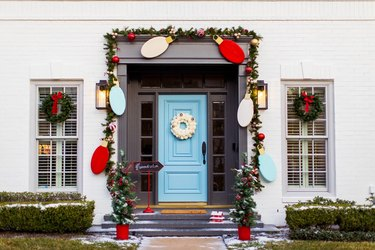 Modern Christmas yard decorations