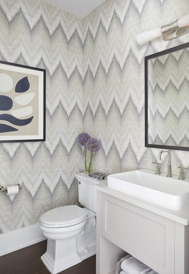 bathroom with abstract chevron print