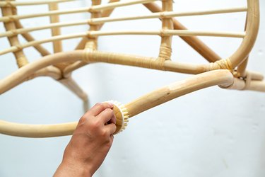 How to paint a rattan chair