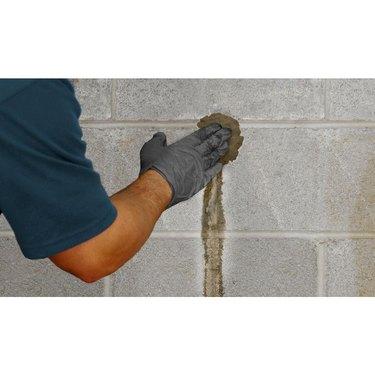 Hydraulic cement repair