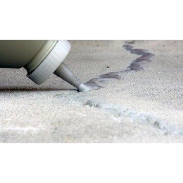 Concrete crack sealant
