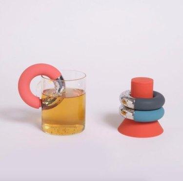 donut-shaped tea infuser set
