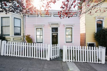pink victorian house in san francisco