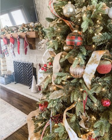 Multiple Christmas tree ribbons on one tree