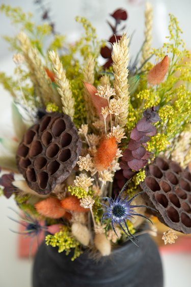 How to make a Thanksgiving Dried Floral Arrangement