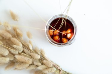 How to dye dried bunny tail grasses