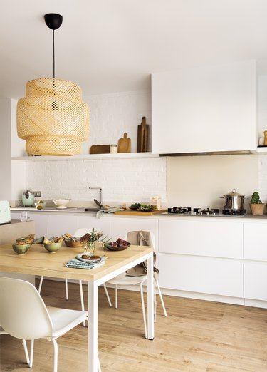 Kitchen with Ikea Sinnerlig Pendant