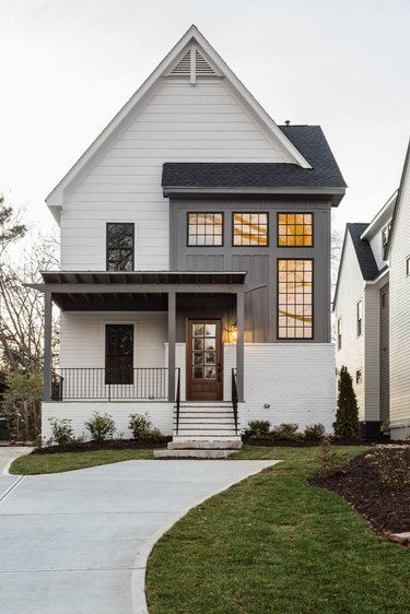 exterior modern farmhouse with pitch roof
