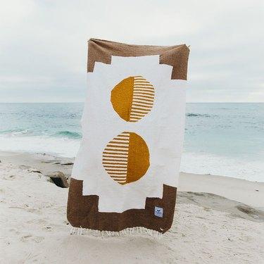 TrekLightGear Horizon Blanket