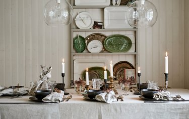 dining room with table and Christmas centerpiece