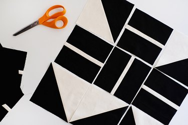 lay out the random pattern of the blocks