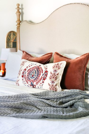 fall inspired bedroom decor
