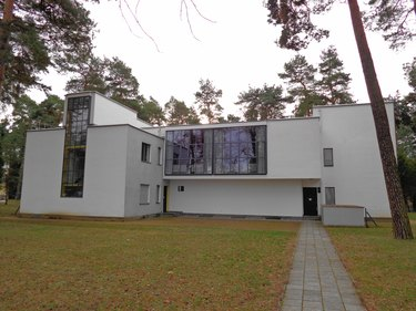 Bauhaus architecture with flat roof and large windows