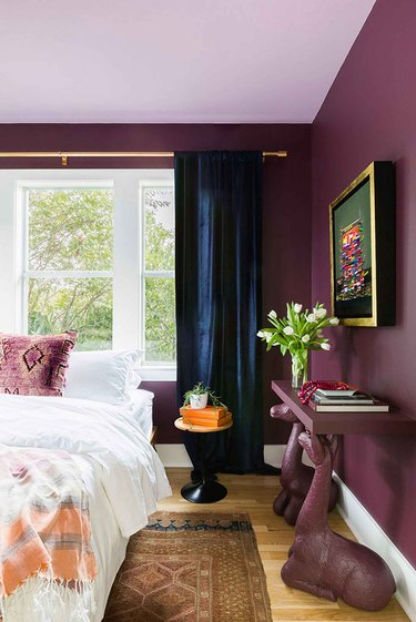 colors that go with navy blue, purple walls with navy blue curtains