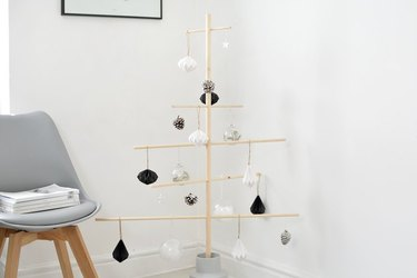 Minimal Christmas tree using dowels