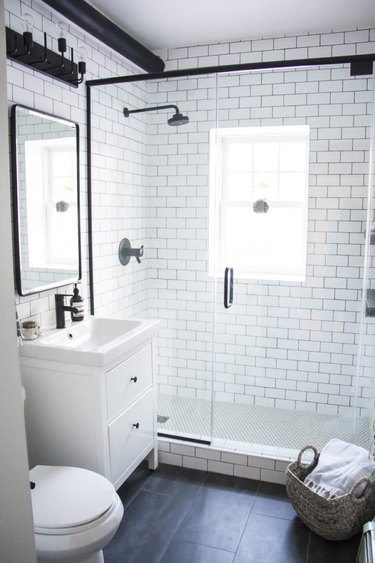 modern black and white minimalist bathroom