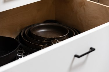 pots in drawer