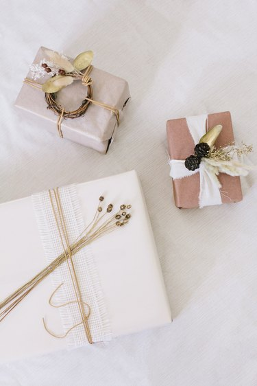 Dried floral gift wrap ideas