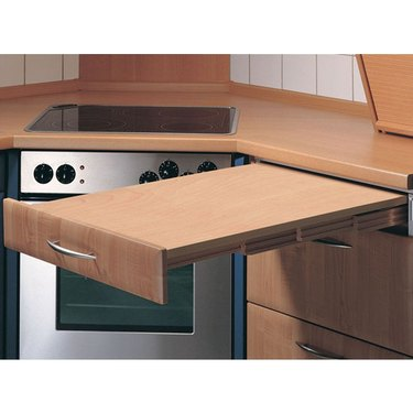 pull-out countertop