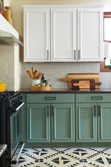 contrasting kitchen cabinet paint ideas
