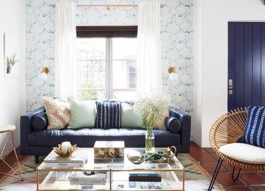 living room wallpaper idea blue and white wallpaper