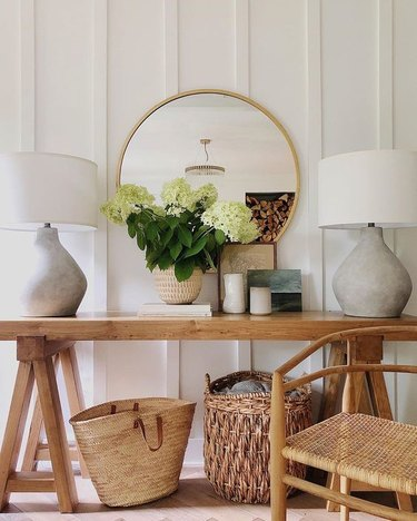 farmhouse living room lighting idea with table lamps on console rustic console table