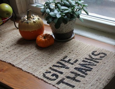 Thanksgiving inspired DIY burlap table runner