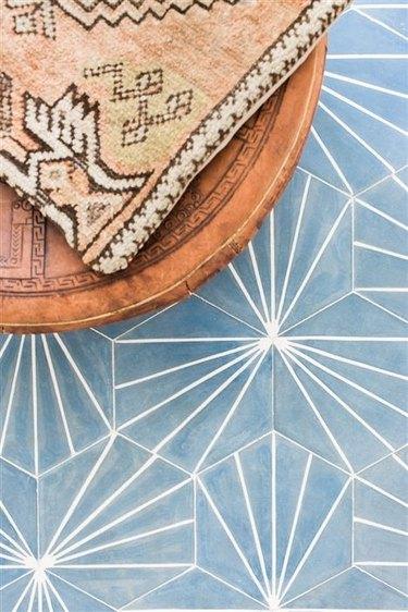 Blue starburst tile