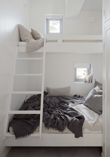 white minimalist bedroom with bunk beds