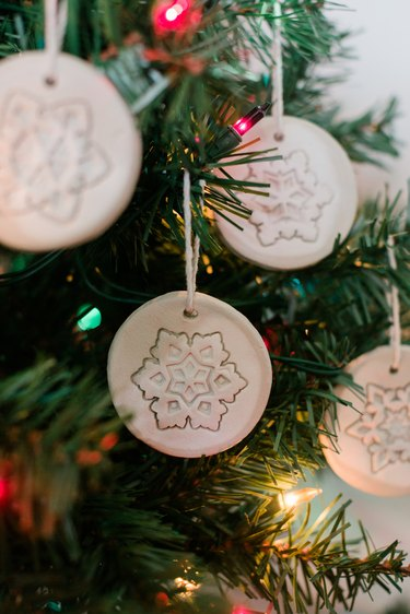 Make these minimalist ornaments in just one hour of hands-on time!