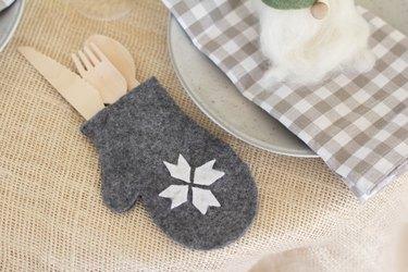 DIY mitten flatware pouch