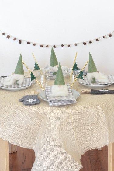 DIY kids Christmas table