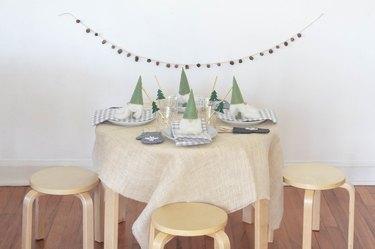 DIY Scandinavian kids holiday table