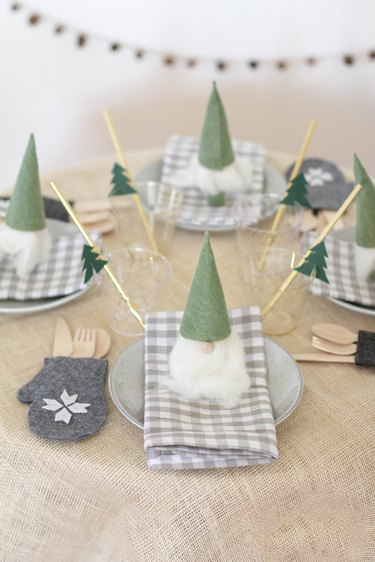 DIY Nordic Christmas kids table