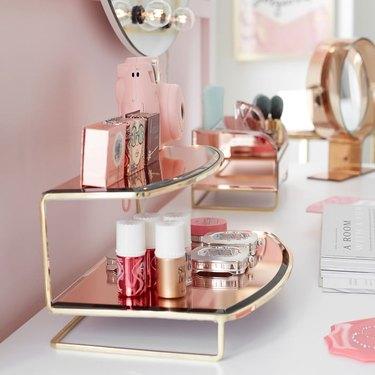 make-up display