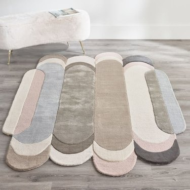popsicle-shape rug