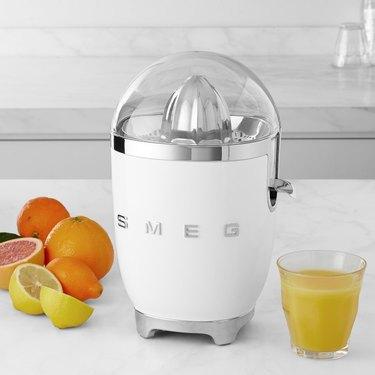 White Kitchen Appliances: Smeg juicer