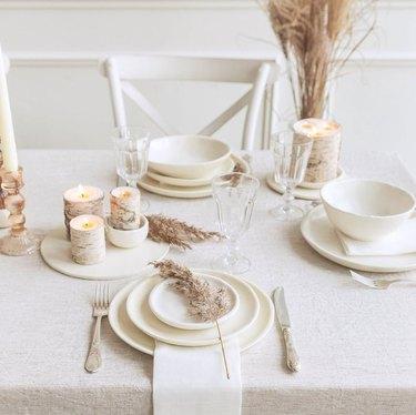 white dinnertable set