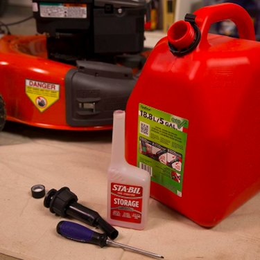 Gas and gas stabilizer.
