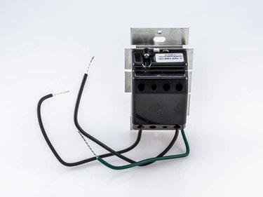 Single-pole dimmer switch