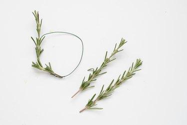How to Make Miniature Wreaths