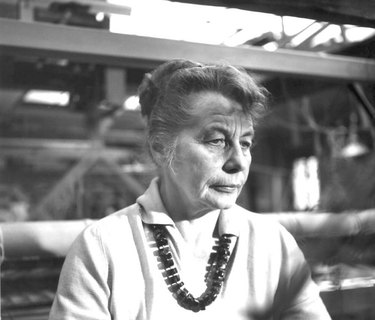 portrait of Gunta Stolzl with necklace
