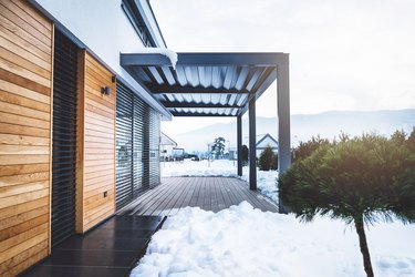 How to Support a Roof Over a Deck