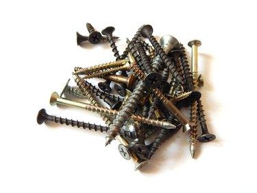 Screws, wood screws and metal screws.