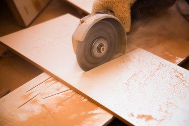 disk grinder in work