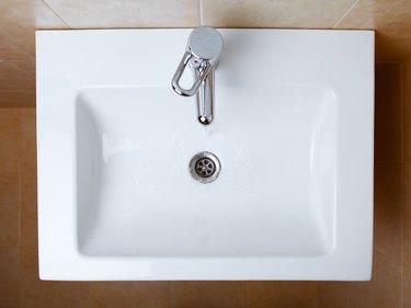 wash sink in a bathroom
