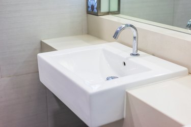 Basin faucets in bathrooms in luxury hotels.