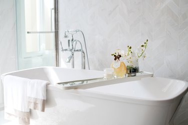 How to Fix a Hole in a Metal Bathtub