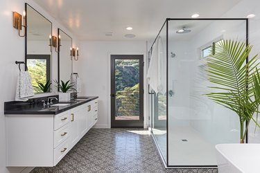 Beautiful Modern Bathroom